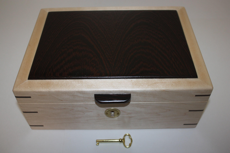 Locking Maple Wood Box with Wenge Wood Lid