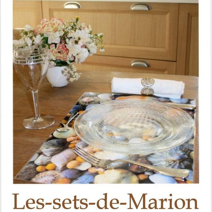 set de table plastifi vieux journaux couronnement elisabeth 2. Black Bedroom Furniture Sets. Home Design Ideas