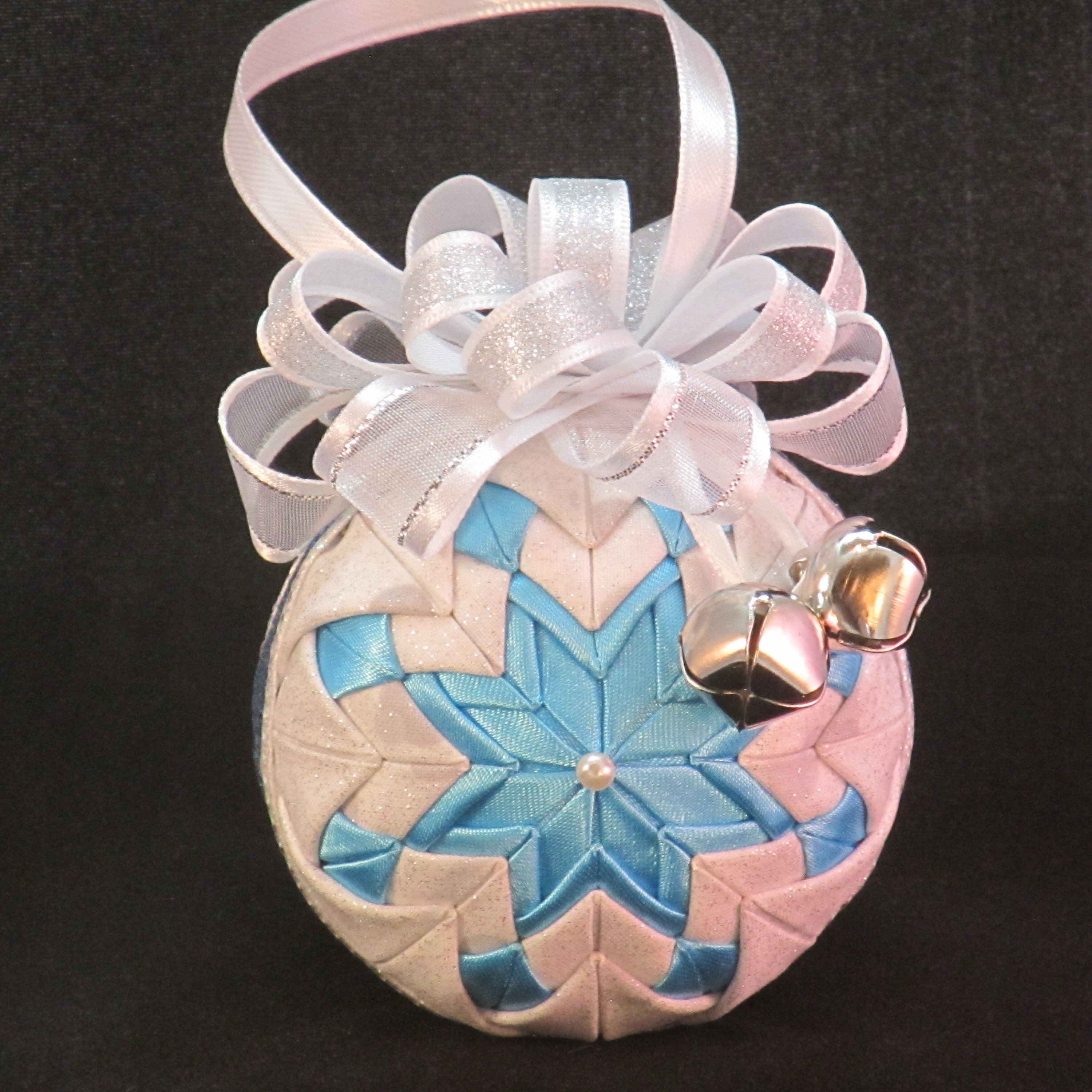Quilted no-sew Christmas Ornament alternating layers of
