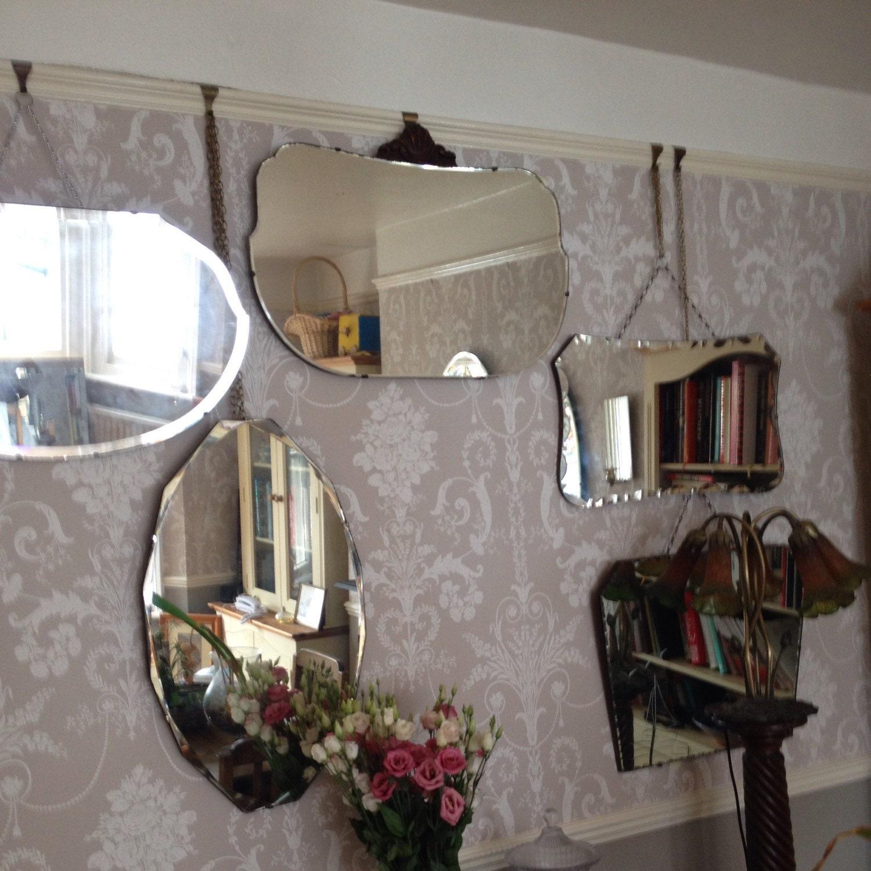 Borde biselado Vintage escudo inusual en forma de espejo