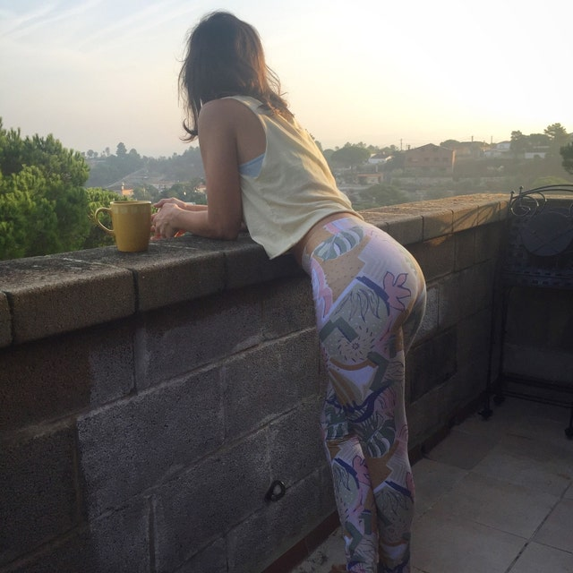 Hand-sketched Creative Prints On Comfortable Yoga By