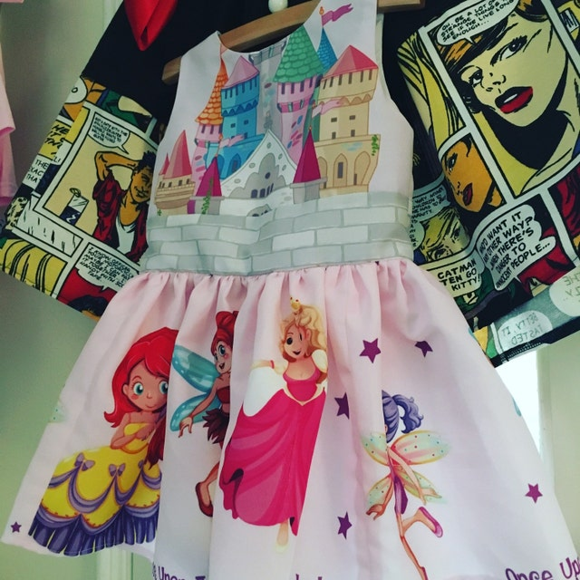 Alice in Wonderland and Literature skirts and dresses von RoobyLane