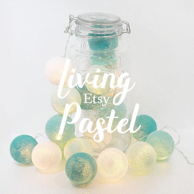 Wattebällchen aus Baumwolle in Pastell von LivingPastel auf Etsy